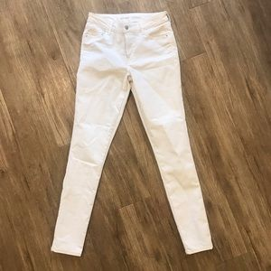 Mid Rise Stay White Skinnies